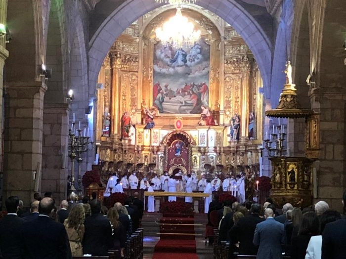 El Presidente Lasso, sus familiares y colaboradores celebraron la misa, antes de la posesión presidencial. Foto: Galo Paguay/ EL COMERCIO