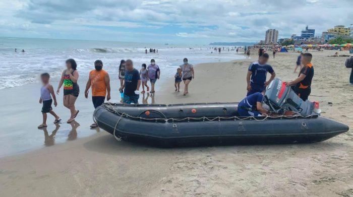 En la playa de Atacames, la principal de la 'Provincia Verde', hay más presencia de personas, este domingo 23 de mayo del 2021. Foto: Cortesía Atacames mi destino