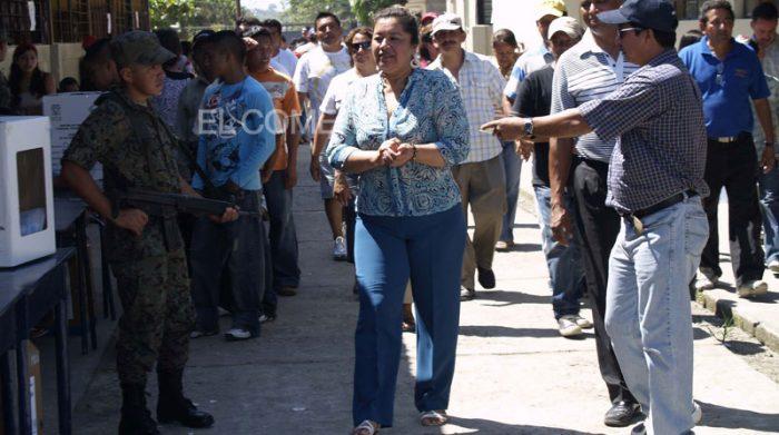 Guadalupe Llori, exprefecta de Orellana, durante las elecciones del 28 de septiembre del 2008. Foto: Archivo/ EL COMERCIO