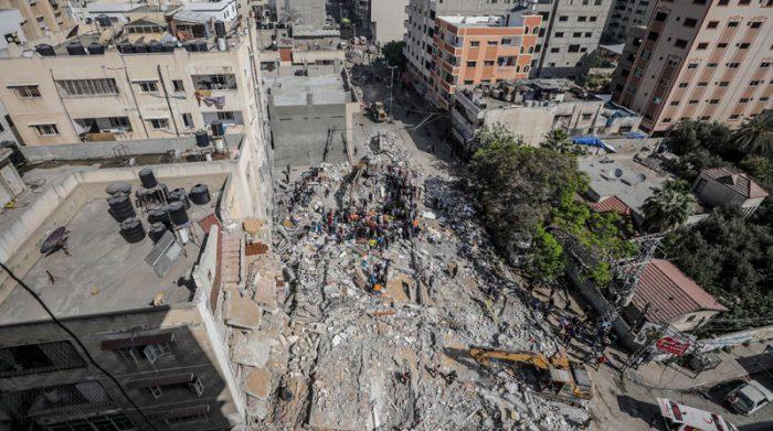 Entre las víctimas, están niños y mujeres, quienes no lograron huir de la zona atacada por cohetes. Foto: EFE