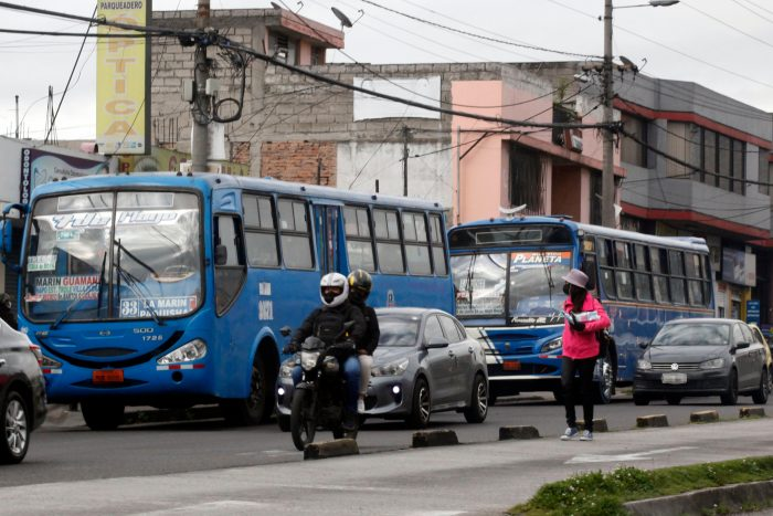 En Pichincha y 15 provincias más rige la libre circulación vehicular por el decreto de estado de excepción. Foto: Patricio Terán / EL COMERCIO