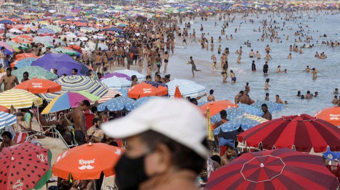 Las autoridades sanitarias han identificado una mutación en la variante brasileña de coronavirus, que sería la causante de la expansión de los contagios en Río de Janeiro. Foto: Reuters