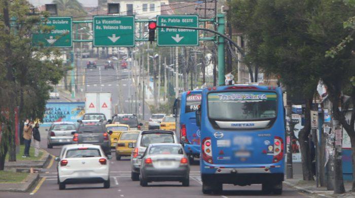 En Quito se aplicará la medida Hoy no circula, para regular la movilidad de vehículos particulares durante la última semana de mayo del 2021. Foto: Vicente Costales/ EL COMERCIO