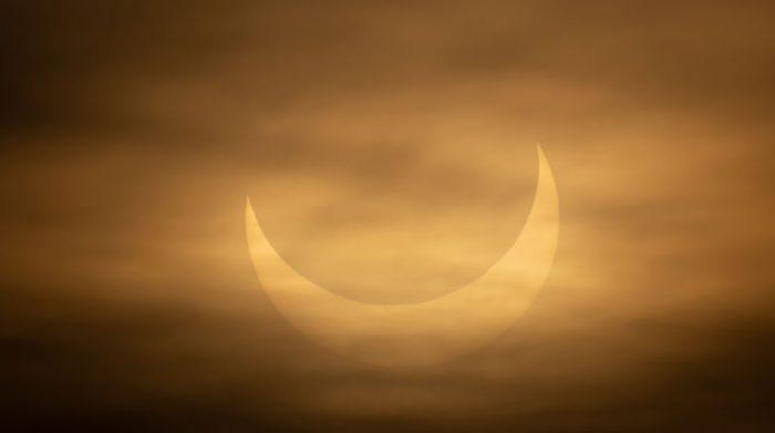Imagen del eclipse solar denominado 'anillo de fuego' en Winthrop, Estados Unidos. Foto: EFE