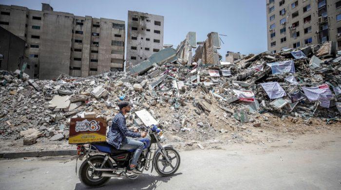 Edificios de residencia de personas, viviendas y otras infraestructuras civiles fueron destruidas en Gaza, tras los bombardeos de Israel. Foto: EFE