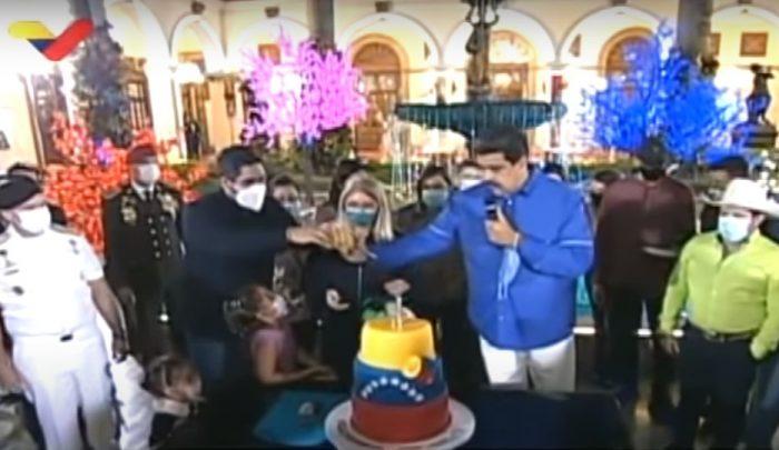 El 23 de noviembre del 2020 el presidente Nicolás Maduro festejó su cumpleaños, en una celebración con artistas musicales. La fiesta del Mandatario se realizó mientras Venezuela atraviesa una fuerte crisis económica. Foto: Captura de pantalla