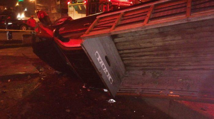 Entre los vehículos accidentados había automotores que terminaron volcados. Foto: Cortesía ECU 911