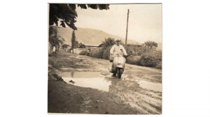 El padre jesuita Francisco García Jiménez, conocido como tío Paco, fue el fundador de la misión en Ecuador. Él dio impulso a proyecto en territorios como el Suburbio guayaquileño, que empezaba a tomar forma en la década del 70. Foto: Cortesía Hogar de Cristo