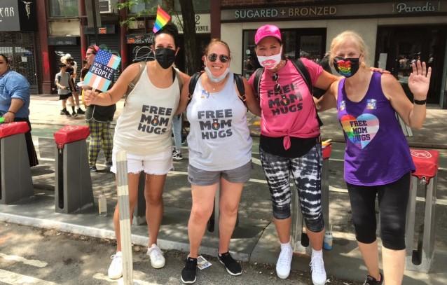 Pese a que la mascarilla ya no es obligatoria en Nueva York por el avance de la vacunación, las personas que participaron en la marcha del orgullo gay usaron tapabocas como medida de protección. Foto: Santiago Estrella/ EL COMERCIO