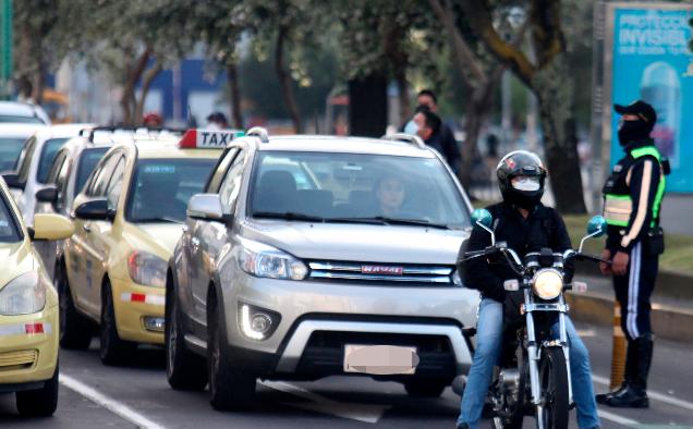 El Hoy no circula aplica en Quito con vigencia hasta el 30 de junio del 2021. Foto: Julio Estrella / EL COMERCIO