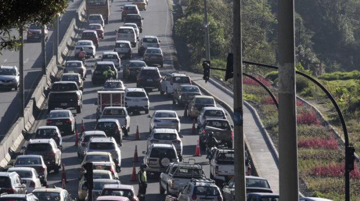 Durante la semana del 19 al 25 de julio del 2021 regirá la medida restrictiva Hoy no circula en la capital. Foto: Patricio Terán/ EL COMERCIO
