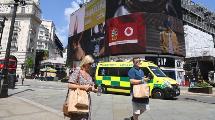 Las entidades que monitorean el clima alertaron sobre los riesgos a la salud que podría causar el calor extremo. Foto: EFE