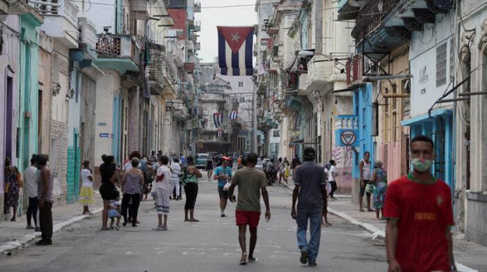 Cuba anunció que vacunará a su población con una dosis de fabricación extranjera más el fármaco creado en la isla contra el covid-19. Foto: Reuters