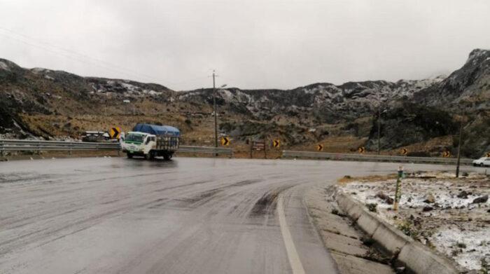 Rastros de la nieve en el costado de la vía. Foto: Cortesía Policía Nacional