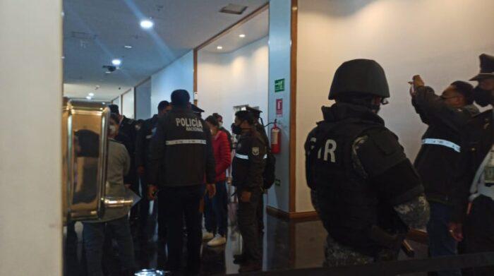 Las incursiones de la Fiscalía se produjeron en Quito y Guayaquil para recabar indicios que podría aportar en las indagaciones sobre un presunto delito de concusión en el caso de la legisladora Bella Jimenez. Foto cortesía