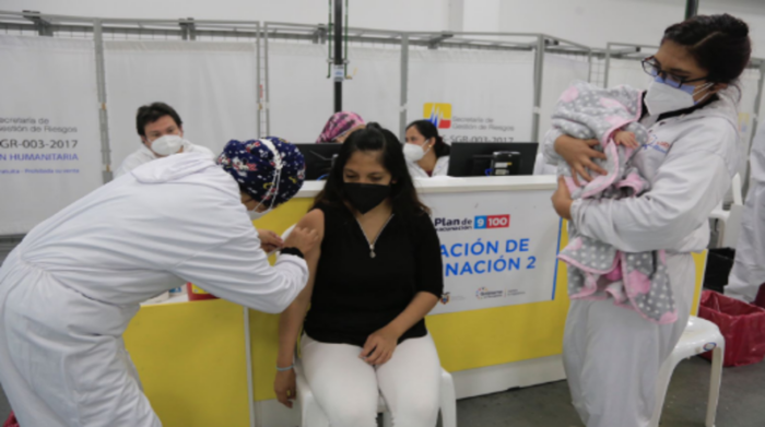 Vaccination day on the Bicentennial.  Of the 4 brands, Astrazeneca is the one with the highest number of people yet.  Photo: Diego Pallero / EL COMERCIO
