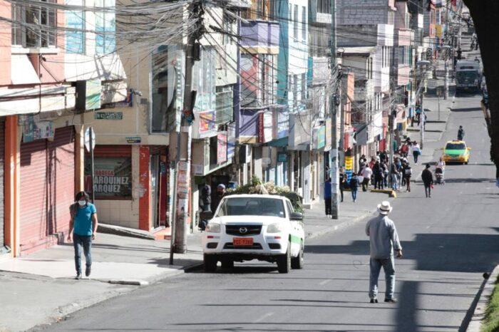Los comerciantes fueron desalojados de las veredas y calles del Comité del Pueblo, un barrio del norte de Quito. Foto: Patricio Terán/ EL COMERCIO