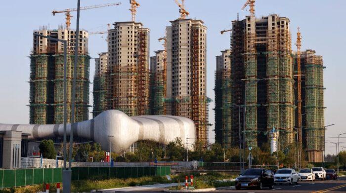 Edificios residenciales en construcción en Evergrande Cultural Tourism City, un proyecto desarrollado por China Evergrande Group, en Taicang de Suzhou, provincia de Jiangsu, China 23 de septiembre del 2021. Foto: Reuters