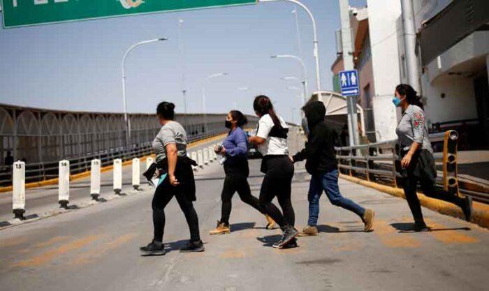 En el Gobierno de Donald Trump se permitía expulsar a los migrantes que llegan a la frontera, considerándolos una amenaza a la salud pública. Foto: Reuters