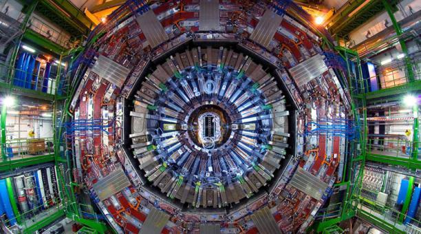 El Laboratorio Europeo de Física de Partículas (CERN) anunció hoy 14 de julio la primera observación de una nueva categoría de partículas, los pentaquarks. Foto: Archivo.