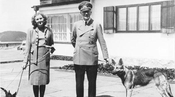 Imagen referencial. La ropa interior perteneció a Eva Braun, la esposa de Adolf Hitler. Foto: Wikicommons.