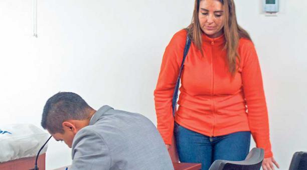 El 15 de febrero, María Sol Larrea acudió a una de las diligencias judiciales, a las que fue convocada. Foto: Archivo EL COMERCIO