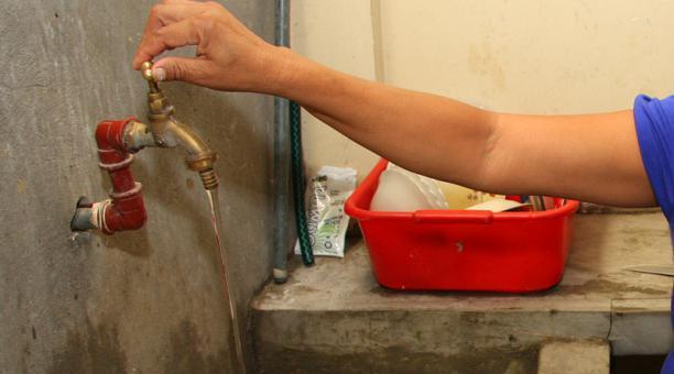 Imagen referencial. 30 barrios de Conocoto se quedarán sin el suministro de agua este jueves 9 de agosto del 2018. Foto: Archivo / EL COMERCIO