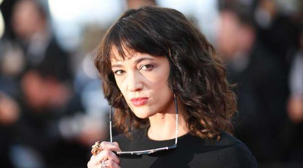 La actriz italiana Asia Argento, una de las mujeres que denunció al productor Harvey Weinstein por abuso sexual, es ahora acusada de agresión sexual por parte de Jimmy Bennett. Foto: AFP.