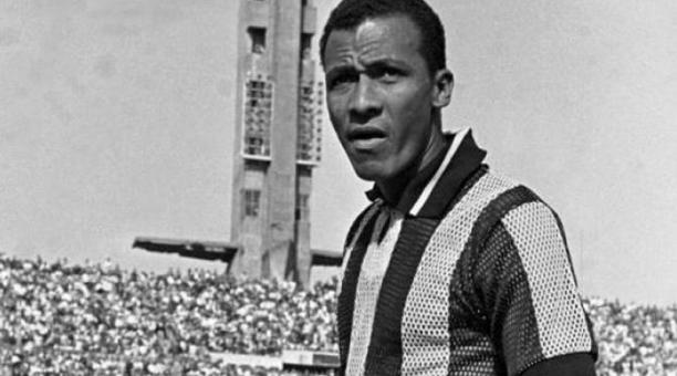 El Peñarol de Uruguay, equipo en el que el ecuatoriano Alberto Spencer jugó varios años, lanzó un vino conmemorativo en memoria del delantero.
