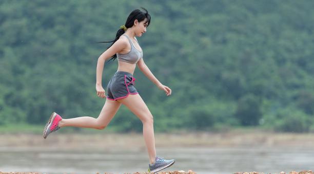 Imagen referencial. Correr una maratón reduce el envejecimiento de los vasos sanguíneos, según un estudio. Foto: Max pixel