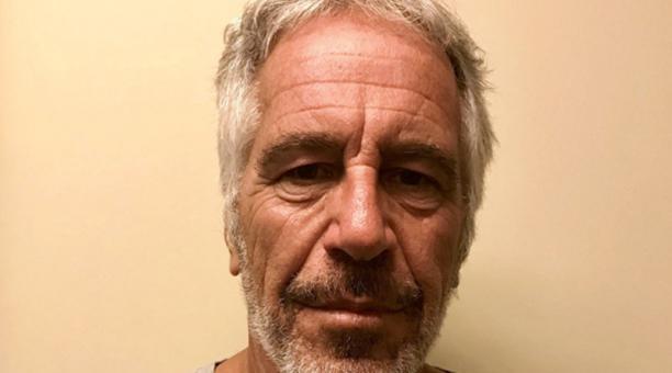 Una foto sin fecha de entrega hecha por la División de Justicia Criminal del Estado de Nueva York que muestra a Jeffrey Epstein, emitida el 25 de julio de 2019. Foto: EFE