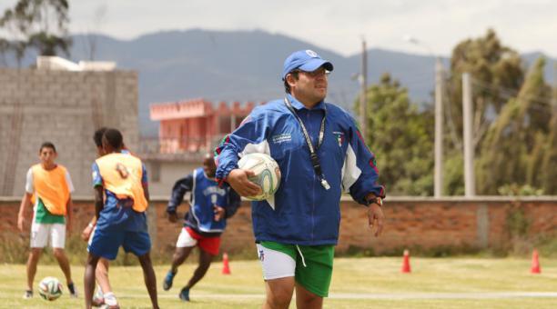 Luis Espinel no continuará como DT del América de Quito. Foto: Archivo / EL COMERCIO