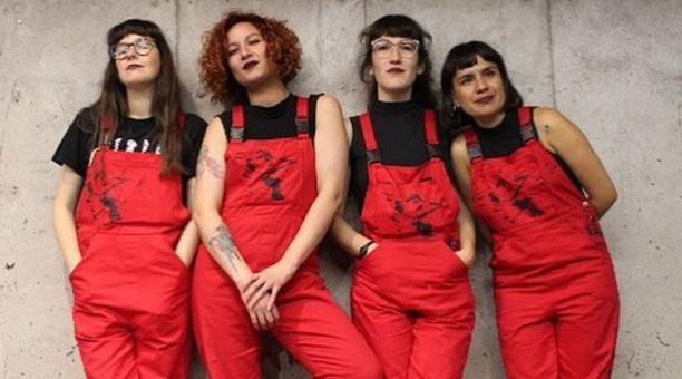 Dafne Valdés, Paula Cometa, Sibila Sotomayor y Lea Cáceres, fundadoras del colectivo feminista Las Tesis, crearon el himno Un violador en tu camino, que visibiliza la violencia machista. Foto: Twitter LasTesis