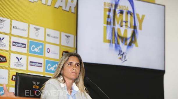 La brasileña Emily Lima, entrenadora de las selecciones femeninas de Ecuador. Foto: Vicente Costales / Archivo/ EL COMERCIO
