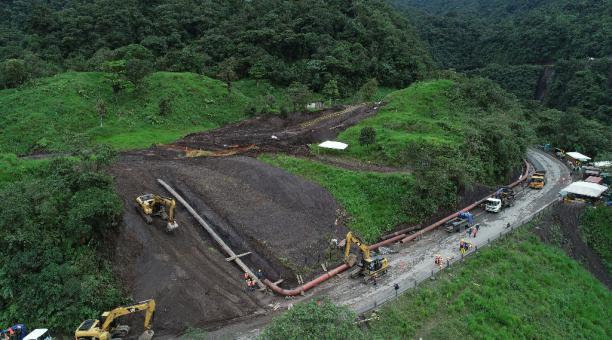 En la foto del 24 de abril del 2020, el río El Salado, lugar donde se produjo el socavamiento del río y destruyo las tuberias del SOTE y OCP en el sector de El Reventador a 1,5 km de lo que era la cascada de San Rafael, provincia de Napo. Foto: Vicente Co