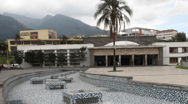 Segín el Director del Instituto de Posgrado de la Facultad de Medicina de la Universidad Central del Ecuador, esta universidad tiene cerca de 950 posgradistas que se forman en 24 programas de estudio. Foto: Eduardo Terán / EL COMERCIO