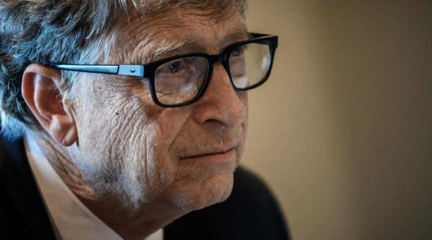 Usuarios de Internet señalan a Bill Gates en distintos rumores sobre el covid-19. Foto: AFP