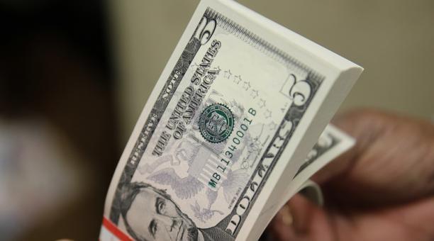 dolar dinero dolares. Foto: AFP