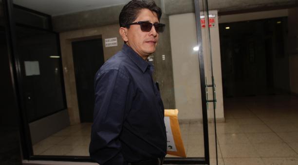 Carlos Galarza, integrante del Directorio de la Federación Ecuatoriana de Fútbol, en una visita a las instalaciones en Guayaquil. Archivo/EL COMERCIO