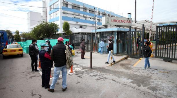 Los turnos del personal de salud y de limpieza en las UCI del Andrade Marín son de 24 horas.