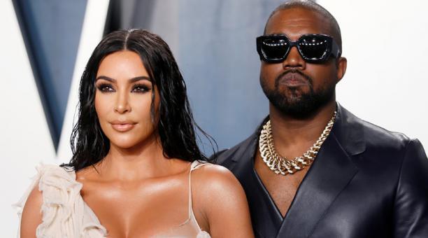 Kim Kardashian y Kanye West durante la fiesta de Vanity Fair organizada con motivo de la entrega de los premios Oscar en Berverly Hills. Foto: REUTERS