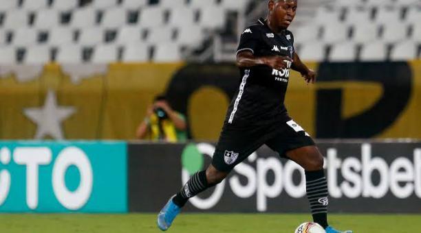 Gabriel Cortez quedó fuera del Botafogo y deberá buscar a un nuevo club. Foto Twitter Meu Botafogo