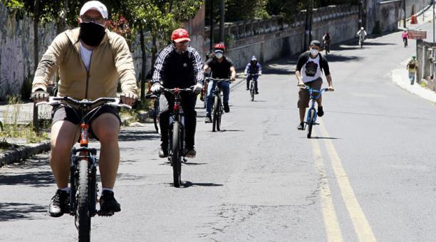 El ciclopaseo en Quito se extiende hasta las 18:00 de este domingo 2 de agosto del 2020. Foto: Eduardo Terán/ EL COMERCIO