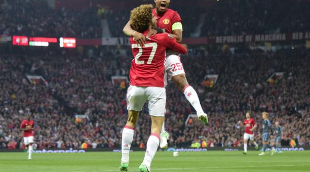 Antonio Valencia celebra uno de los goles que marcó con la camiseta del Manchester United. Foto: Tomada de la cuenta de la UEFA