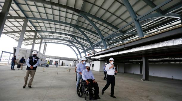 El presidente, Lenín Moreno, recorrió la obra de construcción del Aeropuerto Internacional General Eloy Alfaro, en Manta. Foto: Cortesía