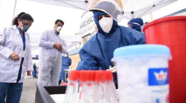El Hospital Municipal de la Mujer y el Niño realiza testeos de pruebas de covid-19