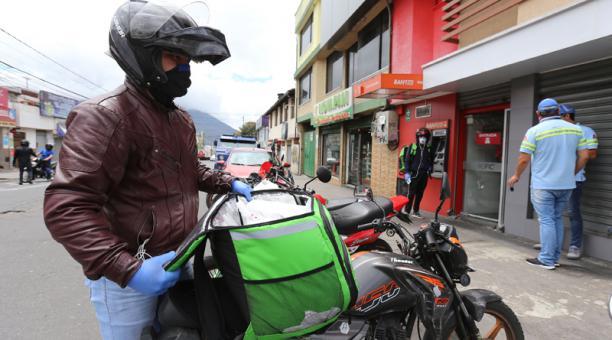En el listado del SRI constan aplicaciones digitales para la entrega de comida a domicilio, conocidas como delivery.