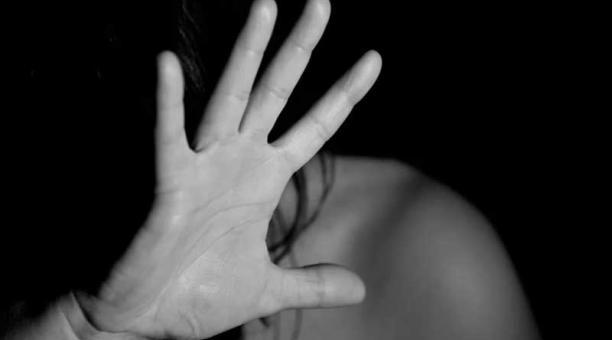 Imagen referencial. Alexandra (nombre protegido) contó en redes sociales su historia de abuso sexual. Foto: Pixabay