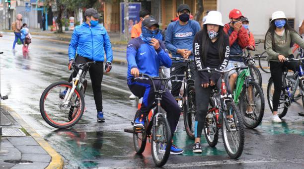 El Municipio recordó que las personas deben usar de forma obligatoria la mascarilla, durante el ciclopaseo. Foto: Diego Pallero/ EL COMERCIO
