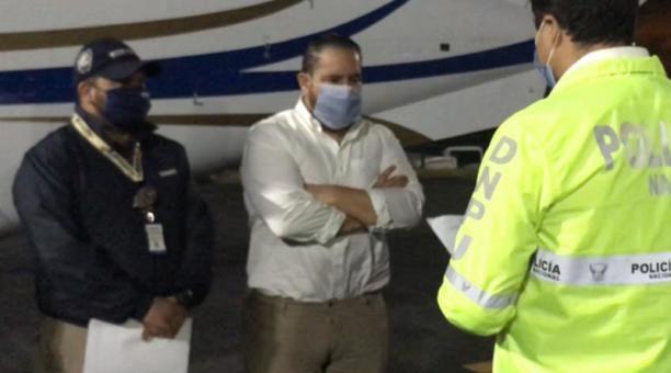 Jacobo Bucaram (centro) fue arrestado el 25 de septiembre por la Policía de Colombia; fue traído al país.
